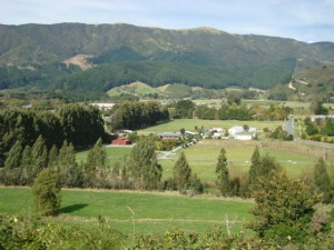 Mangaroa Valley - East looking
